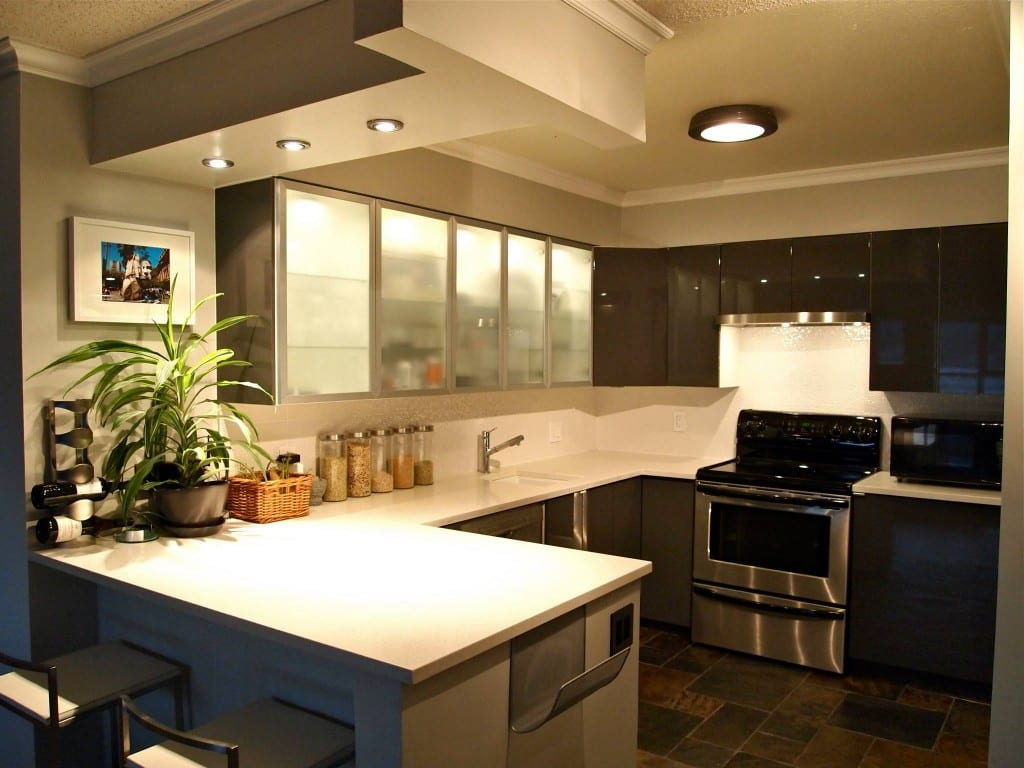 Bachelor Pad Kitchen 1